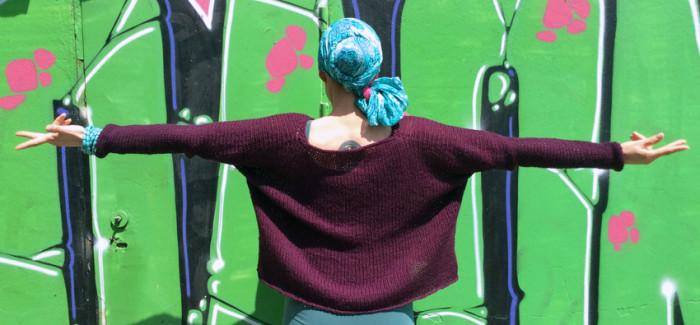 Oversize, czyli przyduży sweter, który pozwoli zagospodarować nadwyżki włóczki