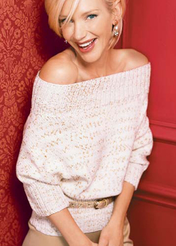 trendy w modzie sweter_odsloniete_ramiona