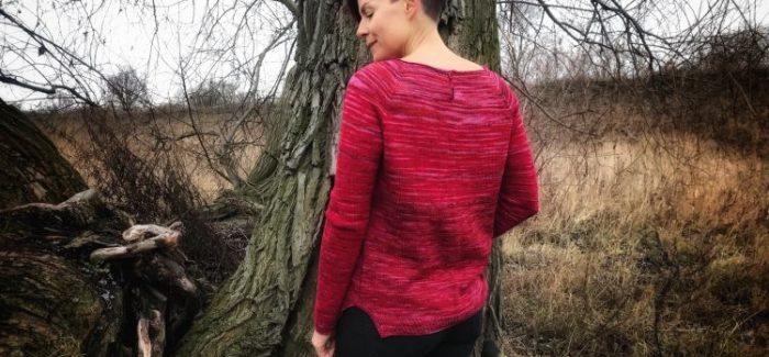 Sweter Seashore Isabell Kraemer pulsujący czerwienią
